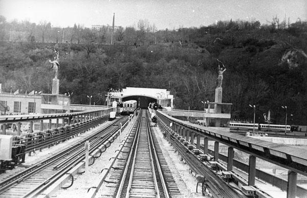 Міст Метро перед пуском в експлуатацію