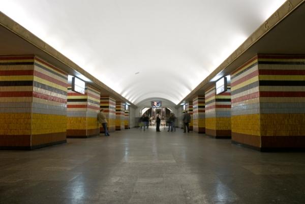 """Станція """"Шулявська"""". Центральний зал."""