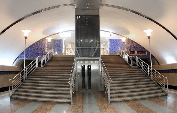 """Станція """"Бориспільська"""". Ліфт."""