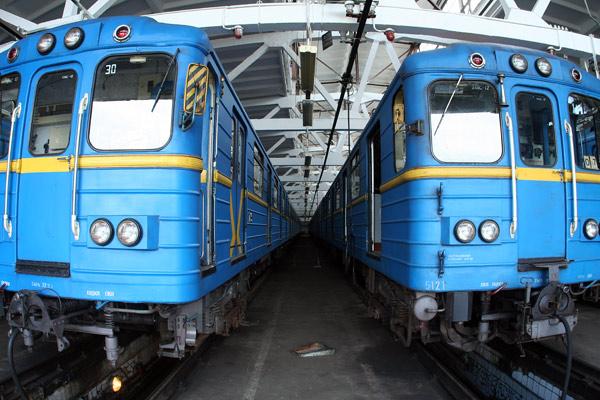 """Вагони Єж у ТЧ-1 """"Дарниця"""" / Вагоны Еж в депо """"Дарница"""" / Wagons of type Ezh at """"Darnitsa"""" depot"""