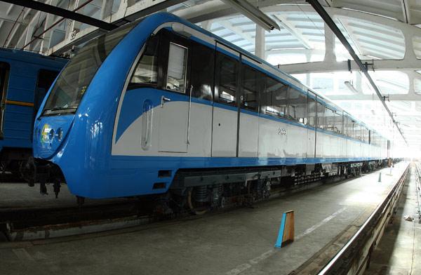 Поїзд виробництва КВЗ / Поезд производства КВЗ / The train manufactured by KWP